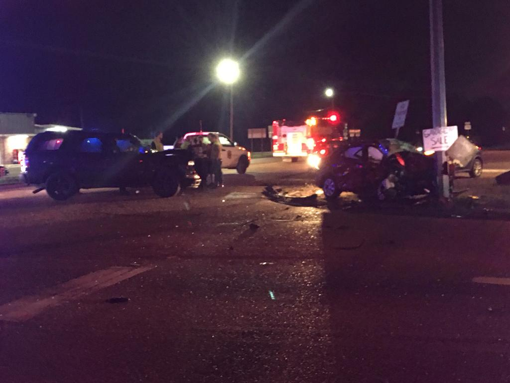 Accident at the intersection of Highway 190 and Highway 445 at 11:57 pm on November 11th
